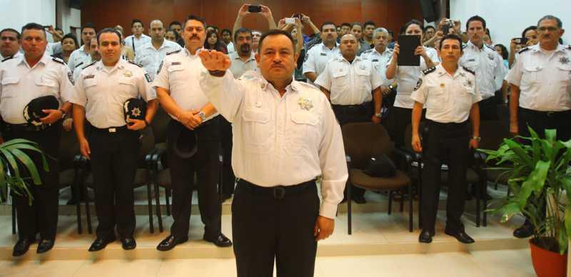¡AL FIN PASÓ LOS EXÁMENES!: Tras más de 4 meses en la 'tablita', ratifican a Arturo Olivares Mendiola como jefe policiaco de Benito Juárez