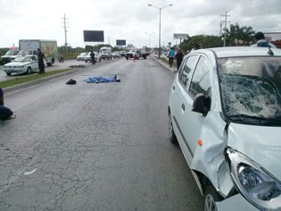 Muere ciclista atropellado en el Boulevar Colosio de Cancún