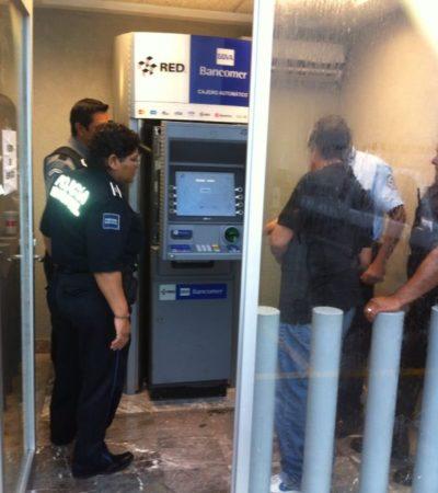Detectan aparato clonador de tarjetas en cajero de Bancomer en la Bonampak de Cancún