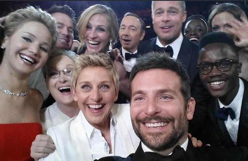 EL 'SELFIE' DE 'SELFIES': La autofoto de Ellen Degeneres en la gala de los Oscar se convierte en lo más retuiteado de la historia