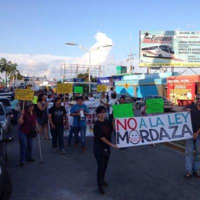 MARCHAN CONTRA 'LEY ANTIMARCHAS': Toman ciudadanos la calle para repudiar intento por restringir movilizaciones
