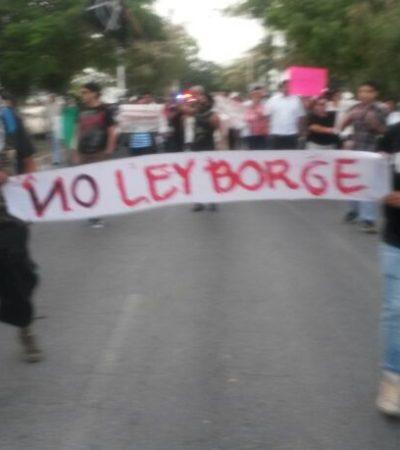 PROTESTAN CONTRA 'LEY ANTIMARCHAS': Se suma Cancún a las manifestaciones contra la polémica Ley de Ordenamiento Social en QR; lanzan consignas contra partidos y Borge