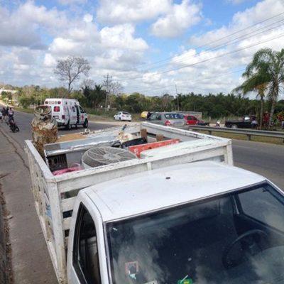 Fallece al caer de una camioneta en la carretera Chetumal-Escárcega