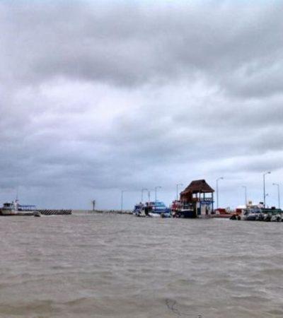 Zozobra embarcación en la laguna Yalahau