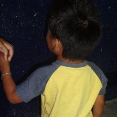 Avientan a un niño de 3 años de una camioneta en la Región 93 de Cancún