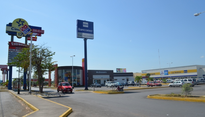 'ACALAMBRAN' A CHETUMALEÑOS: Anuncian intención de cobrar estacionamiento en Plaza Las Américas