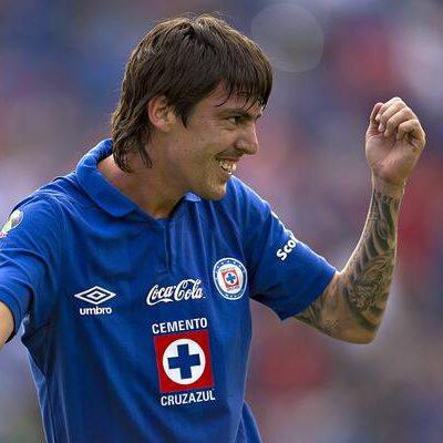 Vence Cruz Azul 2-1 a Pumas y amarra el liderato de cara a la Liguilla