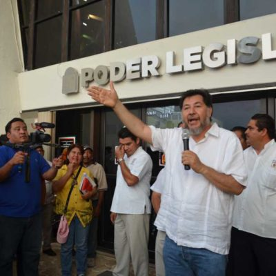 PROTESTA NOROÑA EN EL CONGRESO: Reclama ex diputado la 'puñalada' del IVA y la 'ofensa' de la 'Ley Antimarchas' en QR