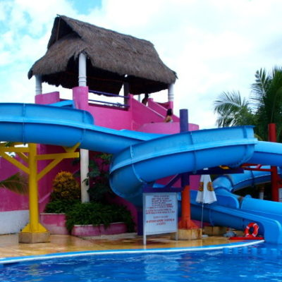 TERMINAN VACACIONES CON SALDO ROJO: Una niña de 2 años y un trabajador de hotel se ahogan en Cancún el último día de asueto