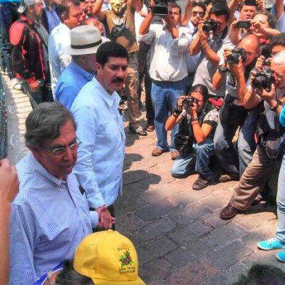 'CADENA HUMANA' CONTRA LEY TELECOM: Protestan cientos, pero les impiden llegar a Los Pinos