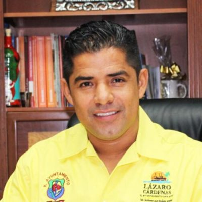 Por secuestro, extorsión y más, detienen al Alcalde de Lázaro Cárdenas en Michoacán