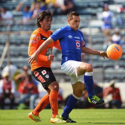 Con suplentes, Cruz Azul rescata un empate 2-2 ante Pachuca