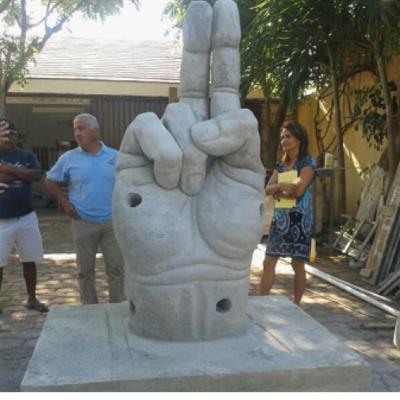 'BENDICIONES' EN EL FONDO DEL CARIBE: Presentan la nueva escultura del Museo Subacuático de Cancún