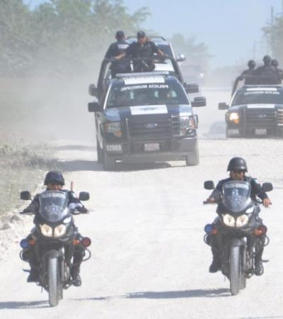 INCOMUNICAN A POLICÍAS DE PLAYA: Por supuesto inventario, ordena Villa quitarles los radios Matra a toda la corporación