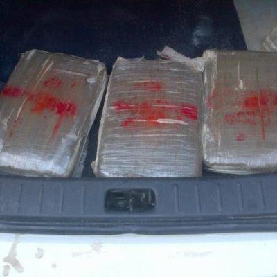 Detienen a 4 en Tulum por taxi cargado con más de 11 kilos de marihuana
