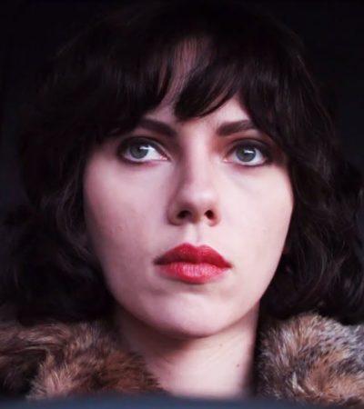 'BAJO LA PIEL' DEL 'MIEDO': El primer desnudo integral de Scarlett Johansson en una película pone a girar a la red