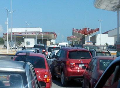 Falla en puente fronterizo, provoca caos de automovilistas en Subteniente López