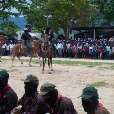 Reaparece el subcomandante 'Marcos' en homenaje a 'Galeano', líder zapatista asesinado