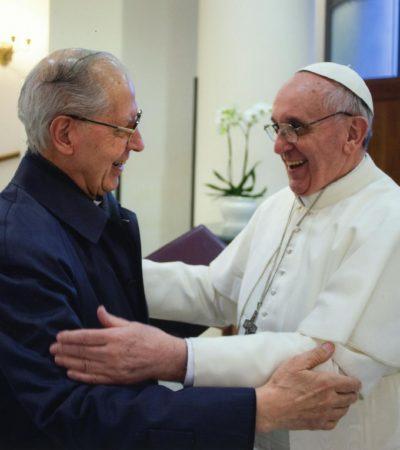 RENUNCIA EL 'PAPA NEGRO': El sacerdote Adolfo Nicolás Pachón anuncia su retiro como máximo responsable de los jesuitas