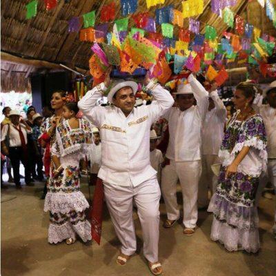 BAILE DE  LA 'CABEZA DE COCHINO': Participa Borge en la clausura de la tradicional fiesta de El Cedral en Cozumel