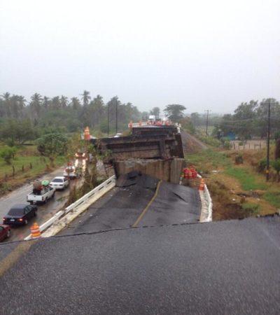 Colapsa puente tras sismo en Tecpan de Galeana