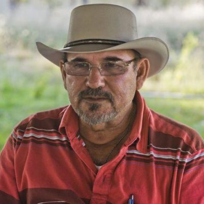 Sale de la cárcel Hipólito Mora, uno de los fundadores de las autodefensas