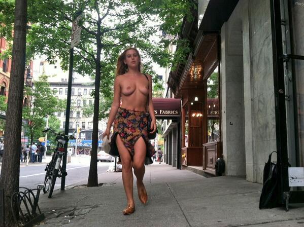 """""""LIBERA LOS PEZONES"""": Hija de Bruce Willis y Demi Moore protesta contra la censura en Instagram con fotos en 'topless' en Twitter"""
