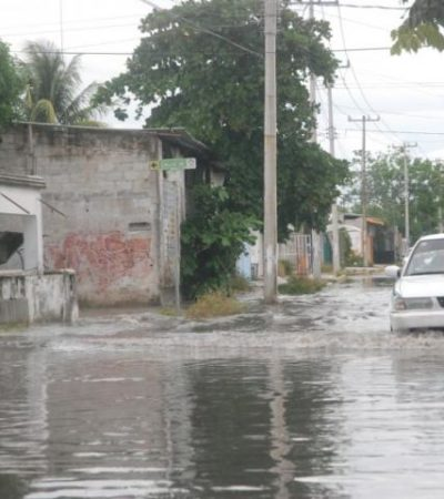 OTRA VEZ…: Se inundan calles y avenidas de Cancún por aguacero