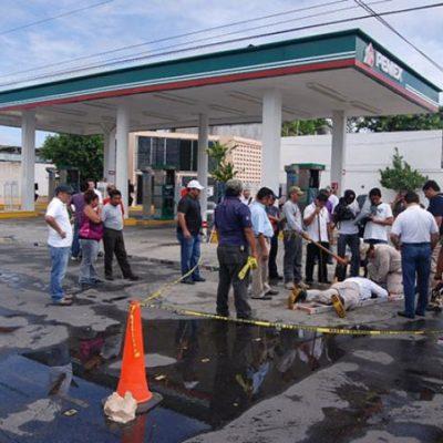 Continúan monitoreos de explosividad en el drenaje de Chetumal tras fuga de gasolina