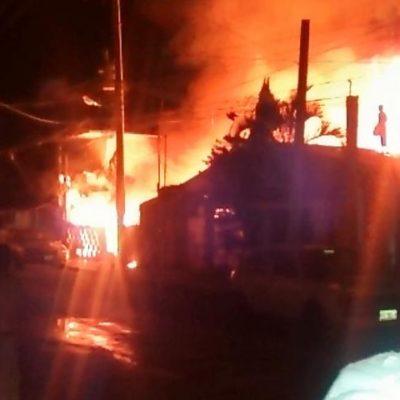 INCENDIO EN TULUM: Consume fuego 12 viviendas en la madrugada