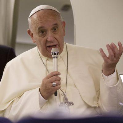 PEDARASTIA DE SACERDOTES, IGUAL A 'MISA SATÁNICA': Confirma el Papa que investigan a tres Obispos por abusos sexuales a menores