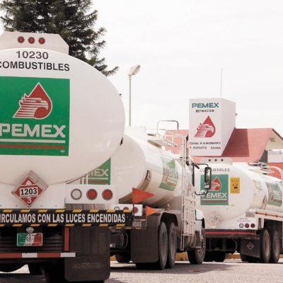 Anuncia Pemex recortes al gasto por caída de precios del petróleo