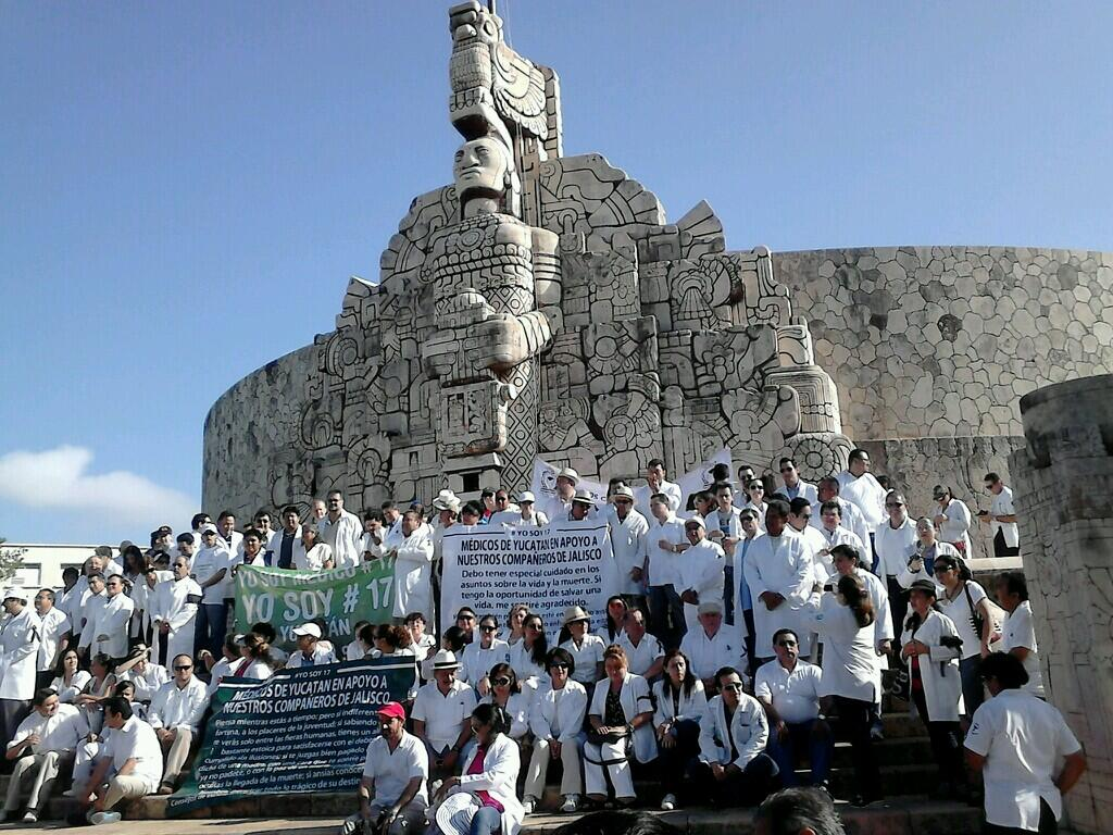REBELIÓN DE BATAS BLANCAS: Marchan miles de médicos y enfermeras del #YoSoy17 en todo el país para exigir la no criminalización de su trabajo
