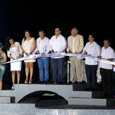 TARDE DE 'DELFINES' EN AKUMAL: Mientras 'El Niño Verde' busca prohibirlos, Borge inaugura delfinario y se lleva a 'Chichanito' para la foto