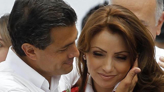 """""""AHORA PARECEN MOCHOS"""": Publica ABC.es la 'historia del culebrón' del matrimonio de Enrique Peña con Angélica Rivera"""