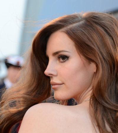ASÍ O MÁS… PERSEVERANTE: En la búsqueda del éxito, confiesa Lana del Rey que hizo muchas 'horas-cama' para conseguir un contrato musical