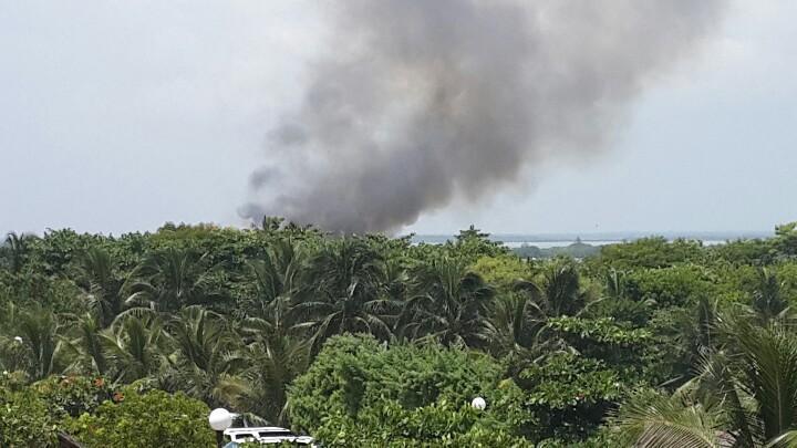 QUEMAZÓN EN LA ZONA HOTELERA: Se incendia restaurante  'Blue Gecko', frente al hotel Oasis de Cancún