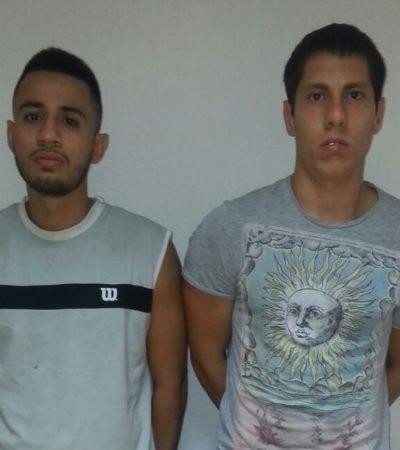 Detienen a 2 con drogas y una 'chismosa' para clonar tarjetas en Cancún