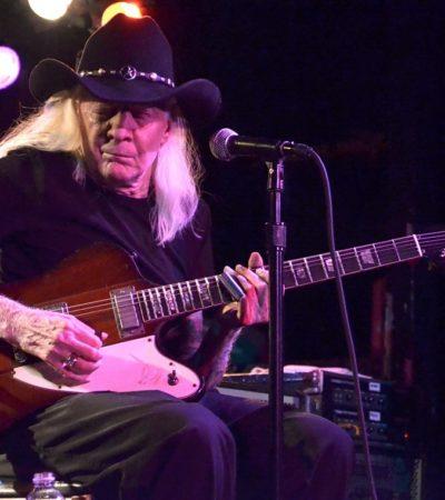 A los 70 años, muere Johnny Winter, leyenda del blues y uno de los mejores guitarristas de todos los tiempos