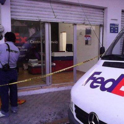 Asaltan empresa de paquetería en Chetumal