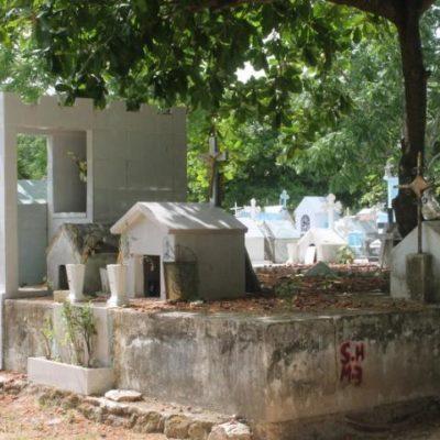 Planean 'recuperar' 900 tumbas por las cuales no se pagó el refrendo en panteón en Cancún