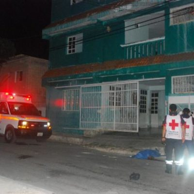 Cae ebrio de un tercer piso y muere en la Región 75