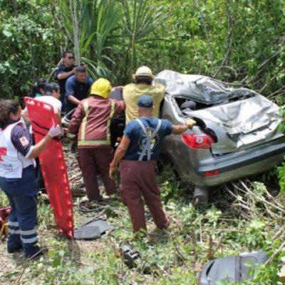 Se salen de la carretera turistas de Veracruz en la vía Mérida-Cancún; 3 heridos