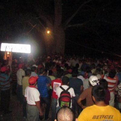 TREGUA DE EJIDATARIOS: Aceptan comuneros levantar bloqueo en carretera de Lázaro Cárdenas en reclamo de indemnizaciones