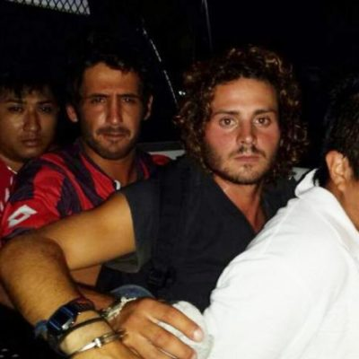 CAPTURAN A NARCOMENUDISTAS DE LA QUINTA: Desmontan red de venta de drogas en la zona turística de Playa del Carmen