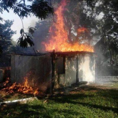 Se incendia palapa abandonada en colonia de Chetumal