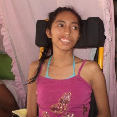 SANDY VUELVE A SONREÍR: La jovencita afectada por un derrame cerebral será operada en el DF gracias al apoyo de chetumaleños