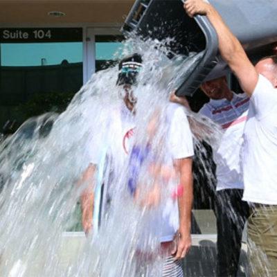 EL DESPERDICIO DEL CUBETAZO: Calculan que millones de litros de agua se han tirado para cumplir famoso reto