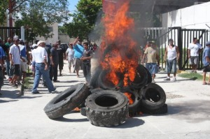 ENARDECIDA PROTESTA DE PESCADORES: Exigen a Sagarpa en Campeche frenar depredación ilegal del pulpo