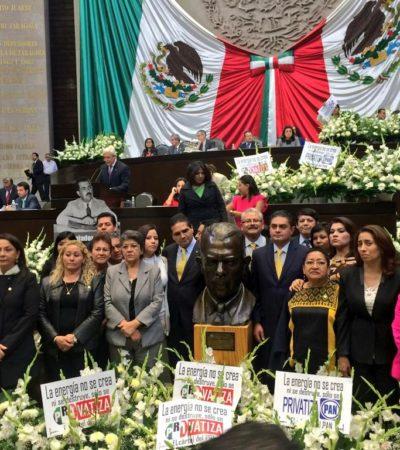 GALERÍA – LUTO EN EL CONGRESO: Arman diputados 'segundo funeral' a Lázaro Cárdenas por imposición de reforma energética